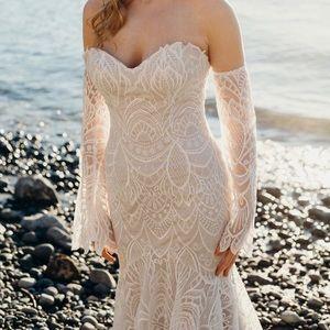 Lis Simon Strapless Vintage Lace Wedding Dress